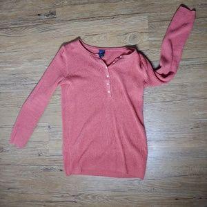 3/4 thermal Gap maternity shirt XS top blouse
